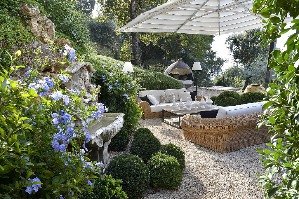 Sunny gardens landscaping design in nice