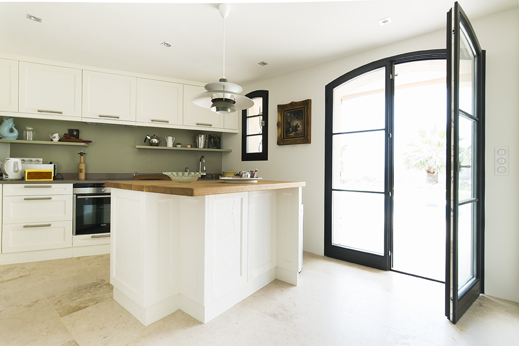 Kitchen renovation & construction in cannes