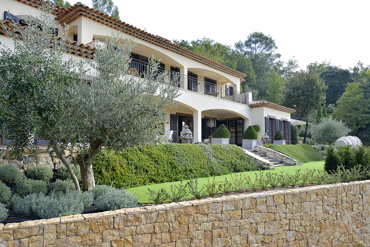 landscape project with construction design for home in cannes