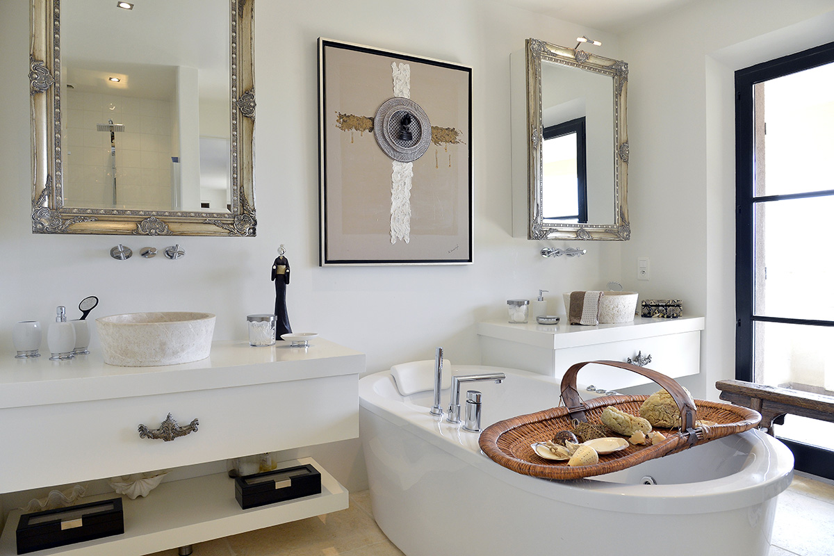 cote d'azur home with white bathroom