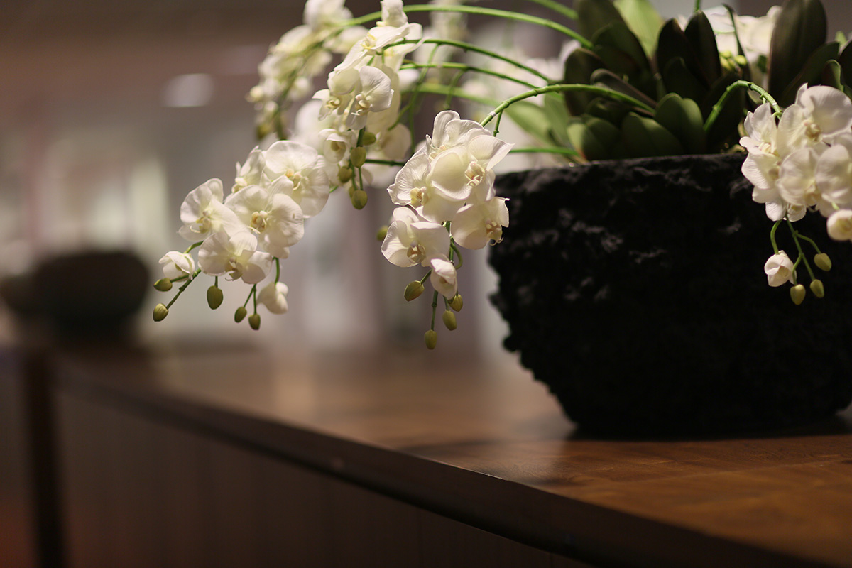 flowers for side table in reception