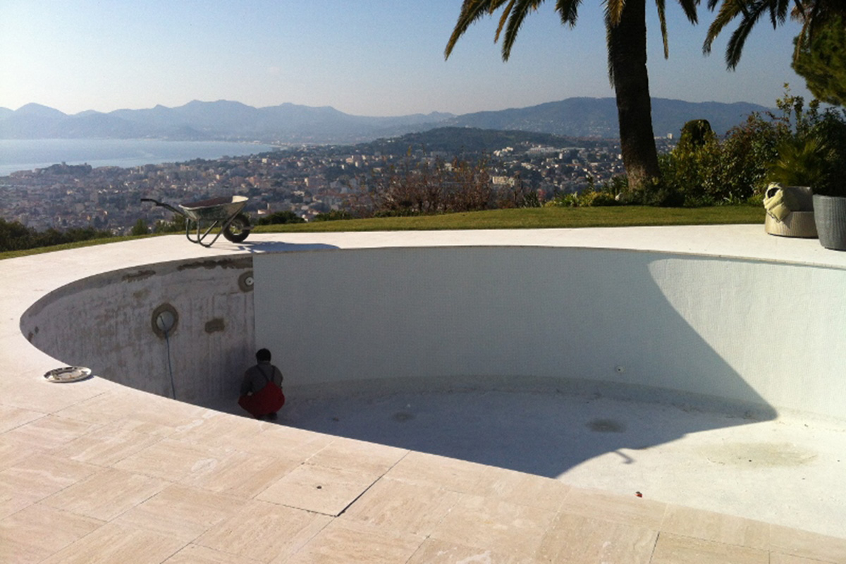 new pool in construction in Cannes, France