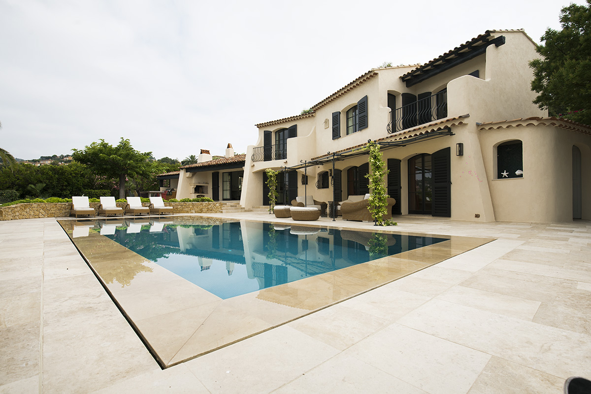 Pool renovation and new build construction for home in France
