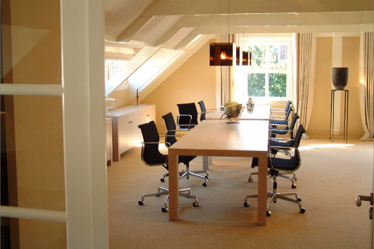 modern interior design company for meetings rooms